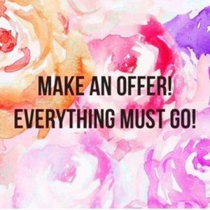 Yes I accept offers 💕